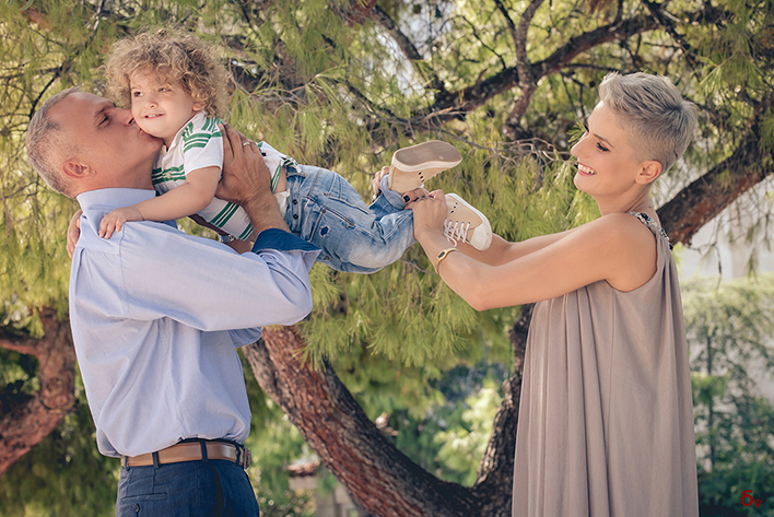 love and warm wishes on this joyous day family portrait family photoshooting dimitraps-photography