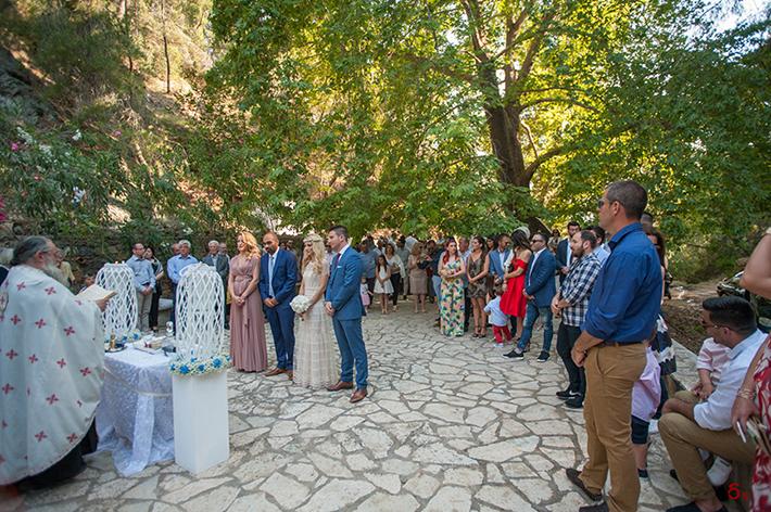γαμος στον Πορο γαμος σε νησι wedding photography greek wedding photography destination wedding photography wedding at a greek island bride and groom  maid of honor green wedding